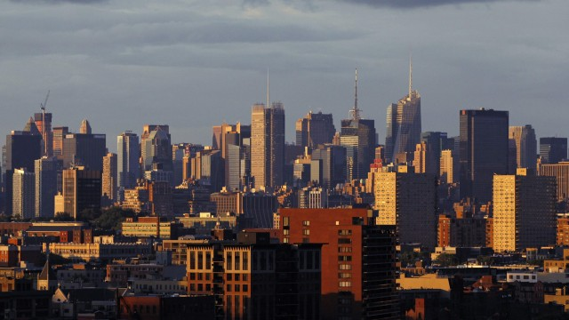 The skyline of midtown Manhattan in New York behind Jersey City