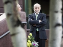 Bernanke  arrives at the Federal Reserve Bank of Kansas City Economic Policy Symposium in Jackson Hole, Wyoming
