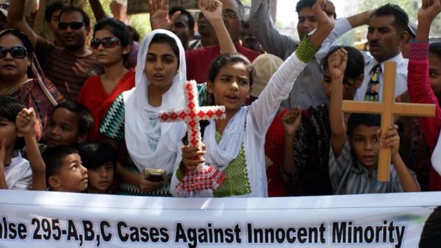 Demonstration für Rimsha