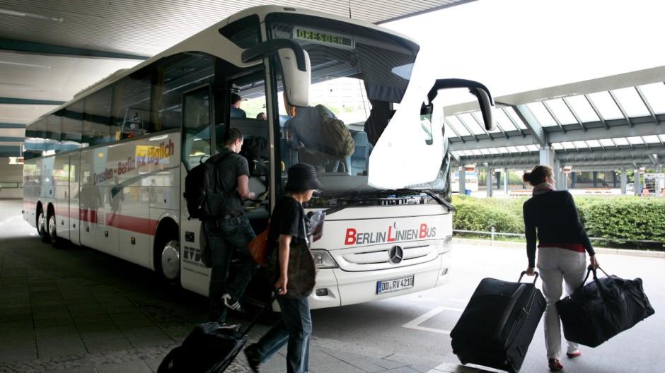 Fernbusse Fernbus-Linien Bahn Linienverkehr