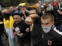 Tausende Oppositionelle haben in Moskau gegen die Politik gegen des russischen Staatschefs protestiert.