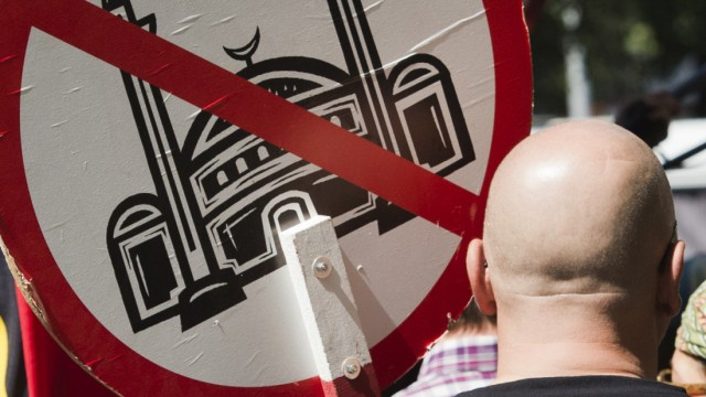 Friedrich will gegen islamfeindliche Provokateure vorgehen