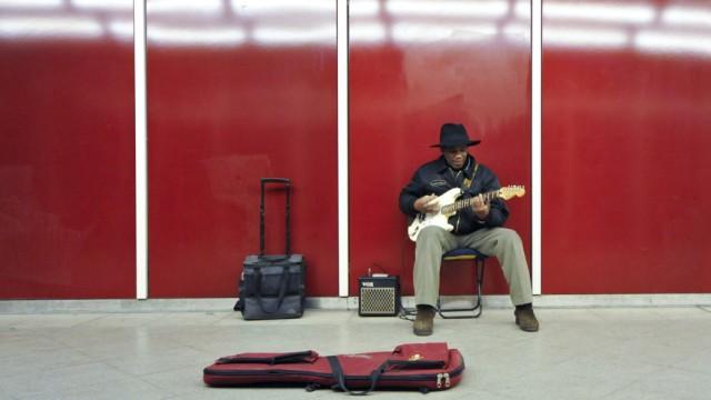 Musiker im Ostbahnhof Zwischengeschoß, 2011