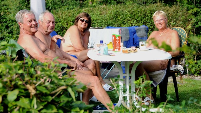 deutsche pornografie oben ohne nackt