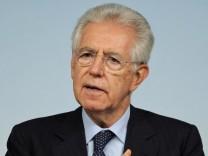Italian Prime Minister Mario Monti news conference in Rome