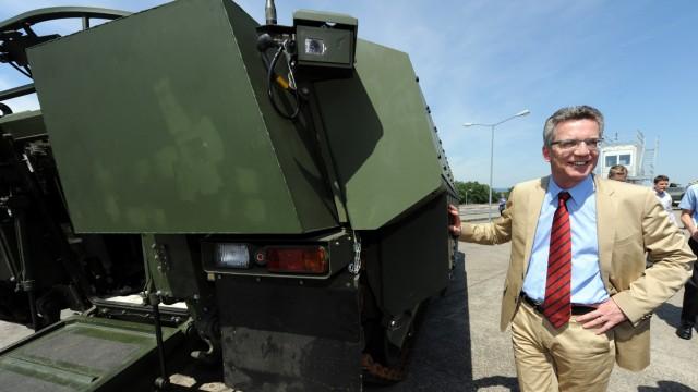 Verteidigungsminister De Maiziere verteidigt geplante Panzerlieferung nach Saudi-Arabien