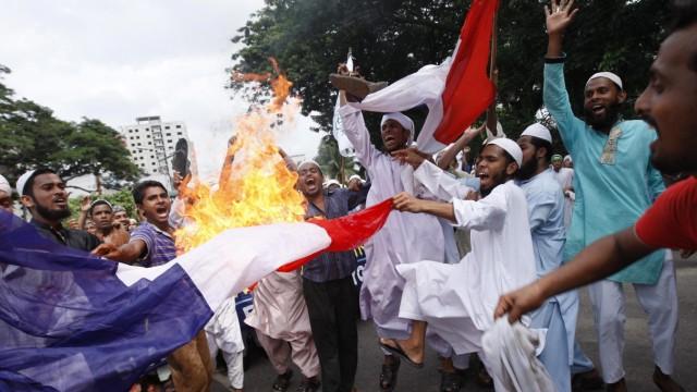 Protest against anti-Islam movie in Dhaka