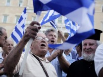 Retired military officers demonstrate in central Athens