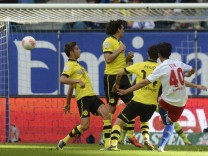 Hamburger SV's Min Son scores his second goal during the German Bundesliga first division soccer match against Borussia Dortmund in Hamburg