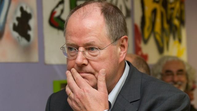 Peer Steinbrück diskutiert mit Kindern