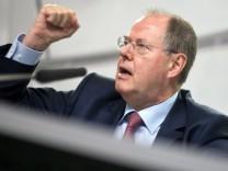 Peer Steinbrück stellt Finanzmarktpapier vor Banken SPD