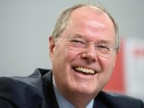Steinbrueck will mit 'Leitplanken' Finanzmaerkte baendigen