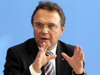 Bundesinnenminister Hans-Peter Friedrich Neonazis Ostdeutschland
