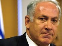 Israelischer Finanzminister Netanjahu tritt zurück wegen Gaza-Abzug, 2005