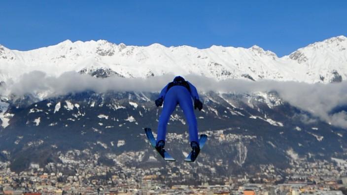 Four Hills Tournament - Innsbruck Day 1