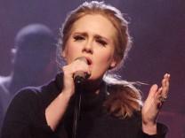 """Adele veröffentlicht neuen Bond-Song """"Skyfall"""""""