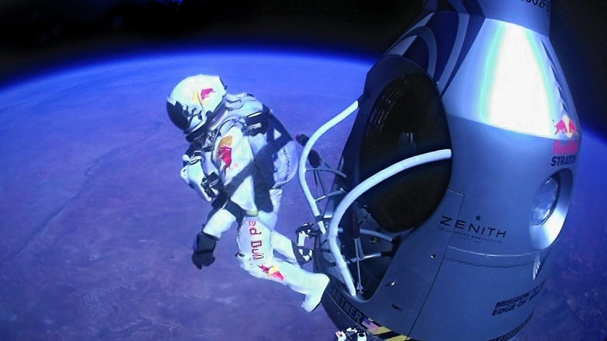 Red Bull Kühlschrank Promotion : Die kraft des bullen besteht den harten lkw einsatz banner