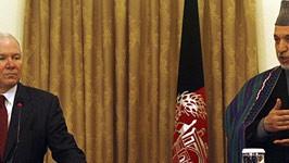 Robert Gates, Hamid Karsai, AFP