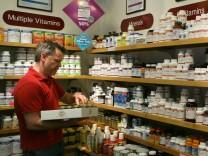 Etwa ein Drittel aller erwachsenen Amerikaner nutzt Multivitaminpräparate. Sind die Pillen und Tabletten aber wirklich nützlich?