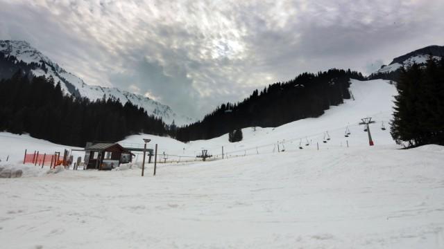 Hirschegg Kleinwalsertal: Panorama-Lift Walmendinger Horn (li.) - Ifen
