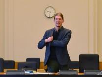 Pirat Martin Delius im Untersuchungsausschuss zum Flughafen BER