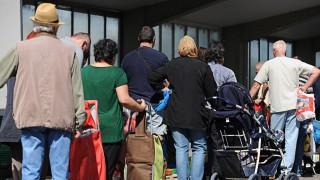 Ilse Aigner besucht 'Münchner Tafel'