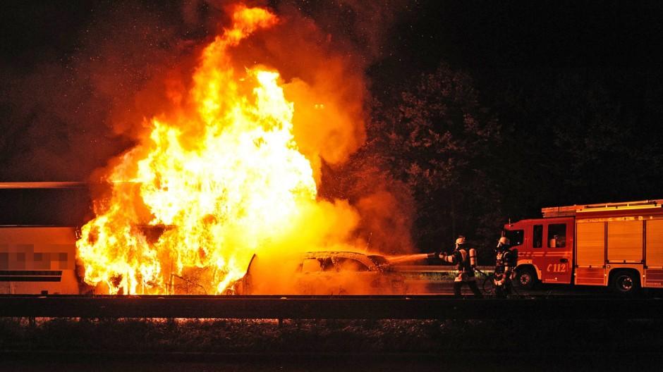 Tödlicher Unfall mit Taxi und Bus in München