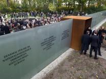 Einweihung des Denkmals für Sinti und Roma