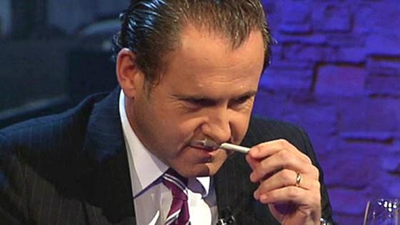 Martin Lindner, FDP, schnuppert in TV-Show von Benjamin Stuckrad-Barre (Tele 5) an einem Joint
