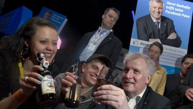 Facebook-Party des bayerischen Ministerpraesidenten Seehofer