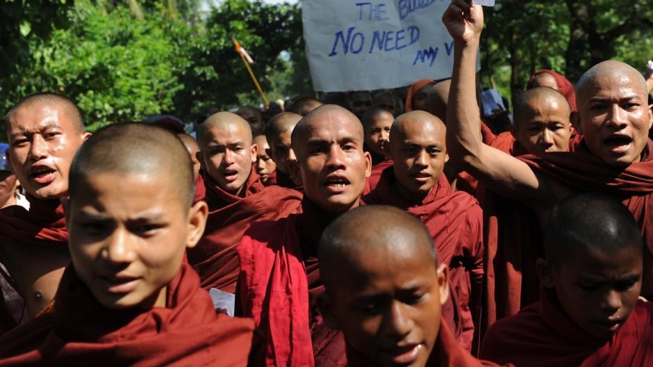 Flüchtlinge in Myanmar Ethnische Unruhen in Myanmar