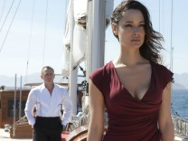 "Daniel Craig und Berenice Marlohe in ""Skyfall"""