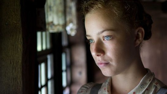 "Saskia Rosendahl im neuen Kinofilm ""Lore"" von Cate Shortland"