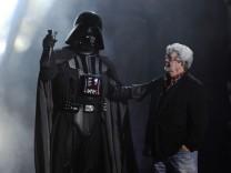 George Lucas und Darth Vader: Disney übernimmt Produktionsfirma Lucasfilm