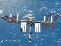 ISS-Astronauten verlassen zu Reparaturarbeiten die Raumstation
