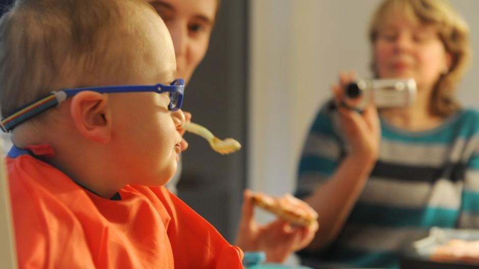 Behinderung Essstörungen bei Kleinkindern