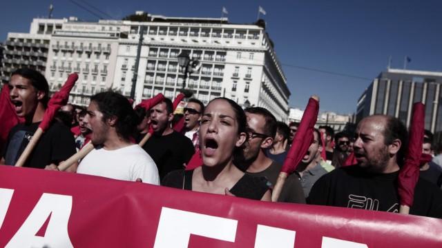 Generalstreik: Demonstranten protestieren in Griechenland