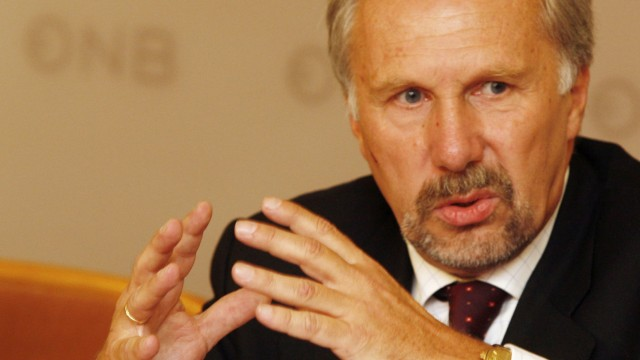 Schuldenkrise in Europa Österreichs Notenbankchef Ewald Nowotny