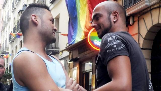 Spanisches Verfassungsgericht erklärt Homo-Ehe für legal