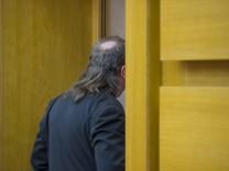 Gericht urteilt ueber Abloesung von rechtsextremem Schornsteinfeger