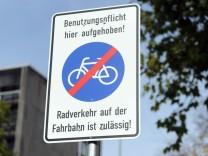 Verkehrsschilder, Radfahrer, München