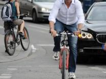 Erlaubt an vielen Stellen: Fahrrad fahren auf der Fahrbahn.