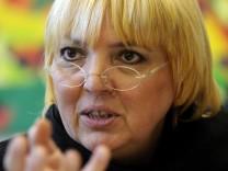 Gruenen-Bundesvorsitzende Roth verlangt die Abschaffung des MAD