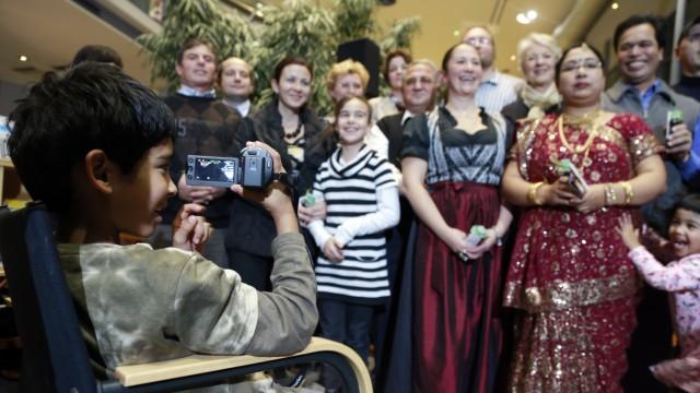 Germering: STADTBUECHEREI Einbuergerungsfest