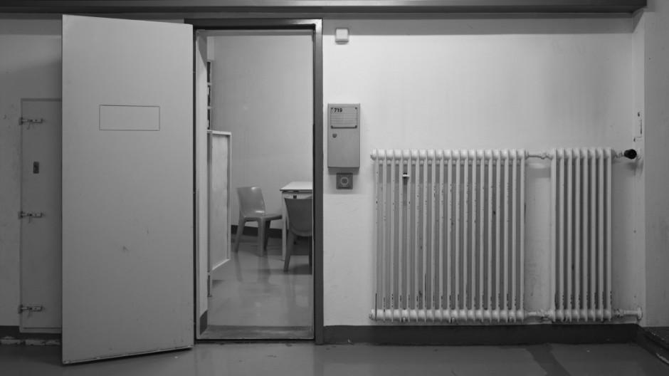 """Andreas Magdanz, Flur mit Blick in Zelle 719, 2010/2011, Buch- & Ausstellungsprojekt """"Stammheim"""""""