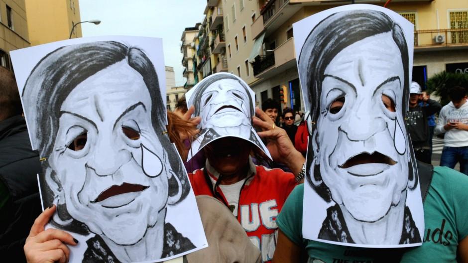 Jugendarbeitslosigkeit in Italien, Demo, Neapel