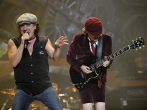 Brian Johnson, Angus Young