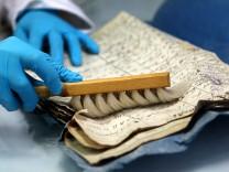 Einsturz Stadtarchiv - Restaurierung historischer Dokumente