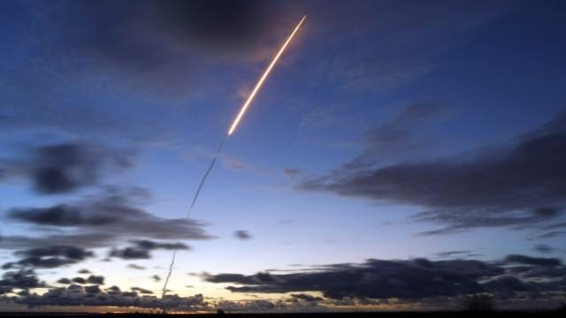 Eine Ariane 5 startet von der Esa-Weltraumbahnhof in Kourou in Französisch Guyana. Der Raketentyp soll weiterentwickelt werden.