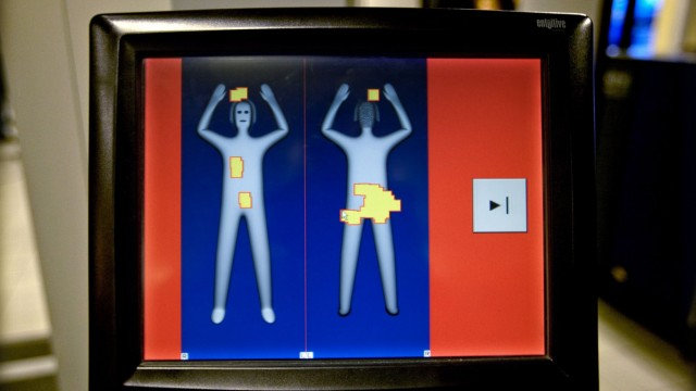 Flughafen setzt Körperscanner für Fluggäste Passagiere ein